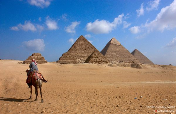 The_Great_Pyramids_at_Giza_1.jpg