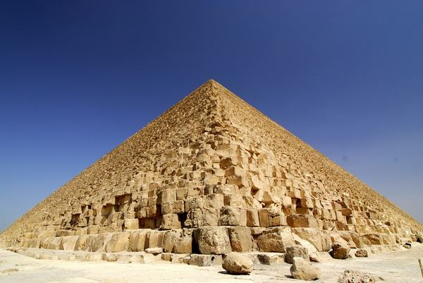 The_Great_Pyramids_at_Giza_5.jpg