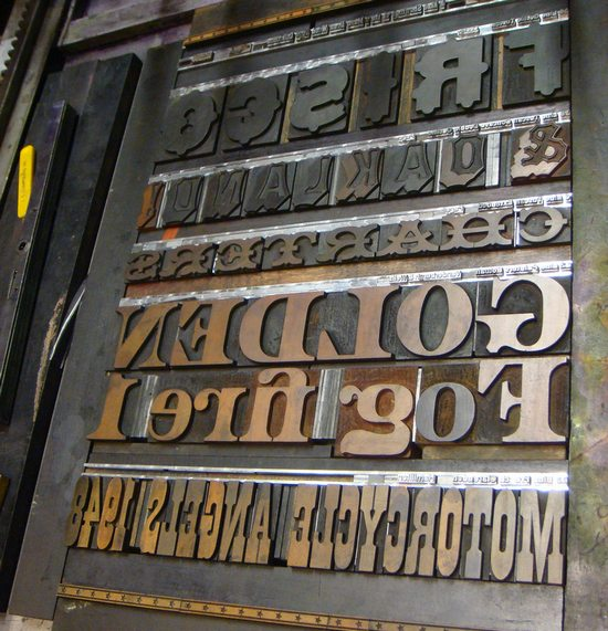 wooden_typography_design_31.jpg